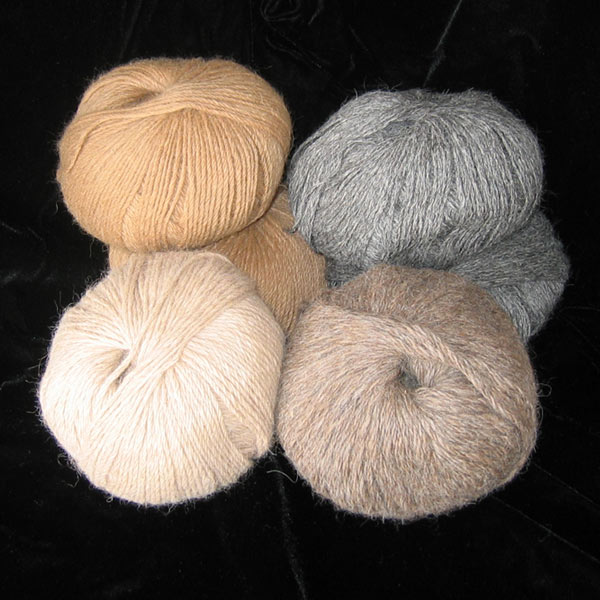 SUPER SOFT 100% ALPACA FLEECE